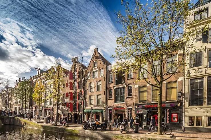 Como é a imigração em Amsterdam, Holanda