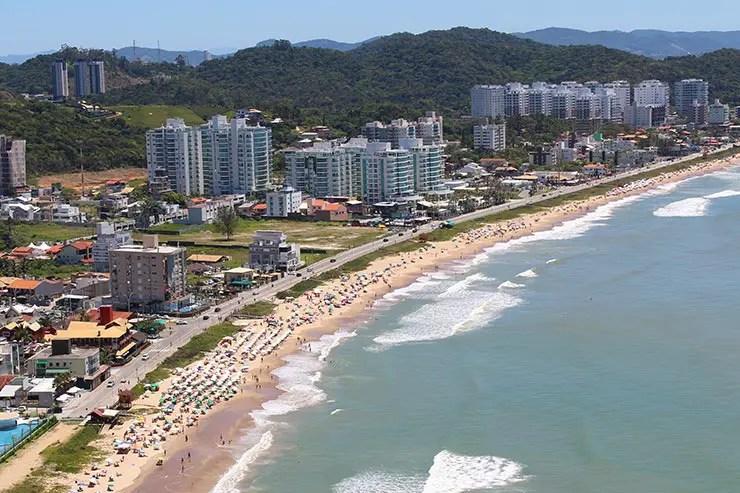 Praia em Itajaí - Onde ficar no Beto Carrero World (Foto: Esse Mundo É Nosso)