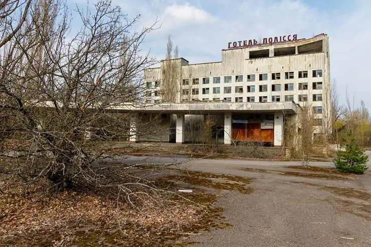 Prédios abandonados em Pripyat, Ucrânia (Por Dmytro Larin via Shutterstock)