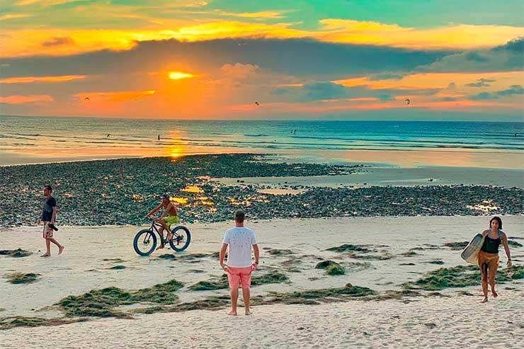 Roteiro em Jericoacoara: Pôr do sol na praia (Foto: Esse Mundo é Nosso)