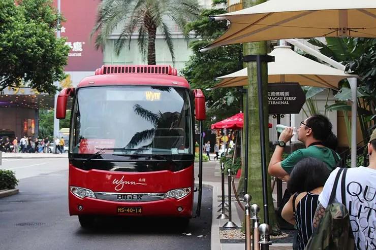 Ônibus gratuitos dos hotéis em Macau (Foto: Esse Mundo É Nosso)