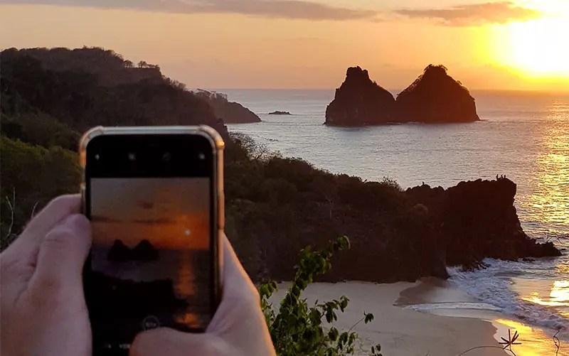 Internet em Noronha: Pôr do Sol no Boldró (Foto: Esse Mundo É Nosso)
