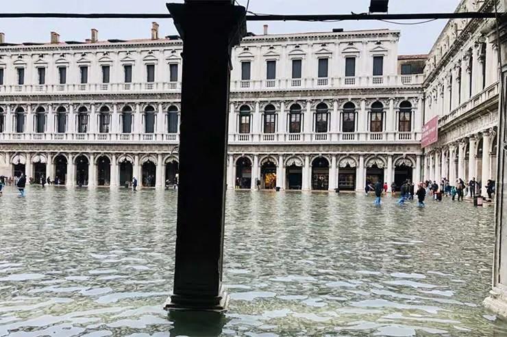 Ruas de Veneza tomadas pelas águas Inundação Veneza Novembro 2019 (Foto: Andressa Berton Stankievicz)