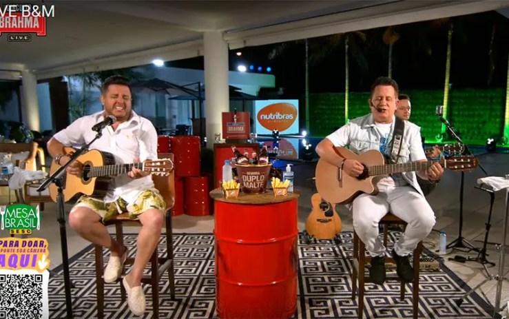 Assista ao vivo à live de Bruno e Marrone (Foto: Reprodução/YouTube)