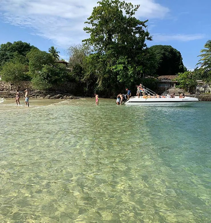 Lancha para Ilha da Gipoia, Angra dos Reis (Foto: Esse Mundo É Nosso)