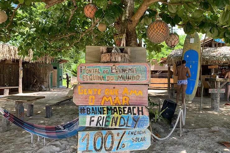 Estrturua da praia do Pontal do Bainema (Foto: Esse Mundo É Nosso)