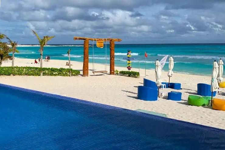 Piscina do hotel Ocean Dream em Cancún, no México (Foto: Esse Mundo é Nosso)