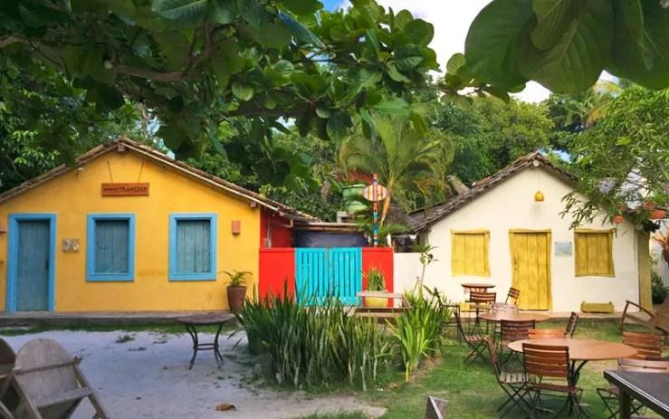 Casas coloridas no Quadrado de Trancoso (Foto: Esse Mundo é Nosso)