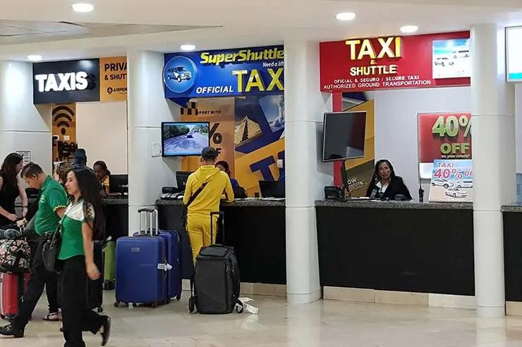 Shuttle é uma das formas de ir do aeroporto de Cancún pra Zona Hoteleria (Foto: Esse Mundo É Nosso)