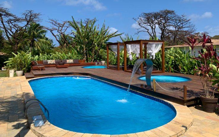 Piscina no Dolphin Hotel em Noronha (Foto: Esse Mundo é Nosso)