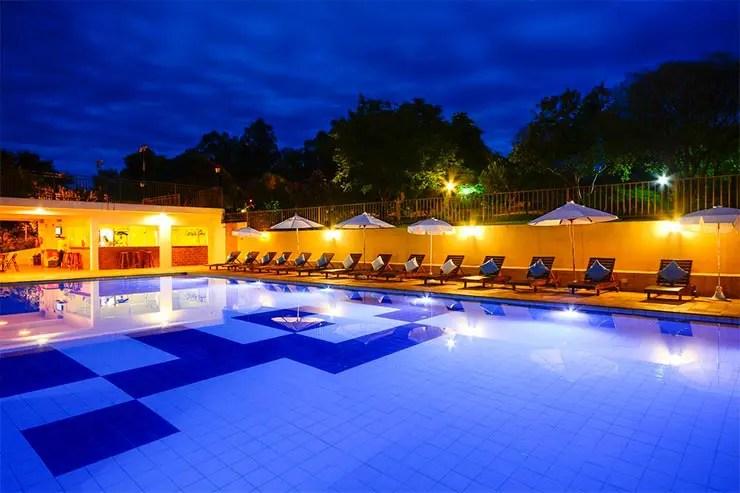 Hotéis fazenda em SP: Piscina do Areia que Canta, em Brotas (Foto: Reprodução/Booking)