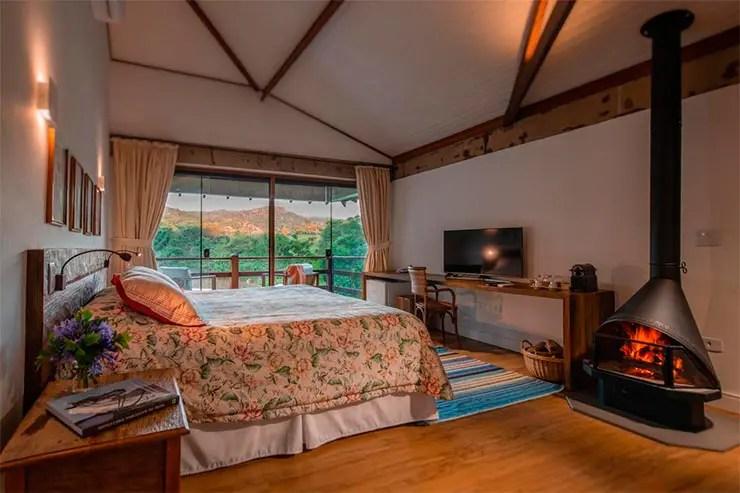 Hotéis fazenda em SP: Quarto da Fazenda Capoava (Foto: Reprodução/Booking)