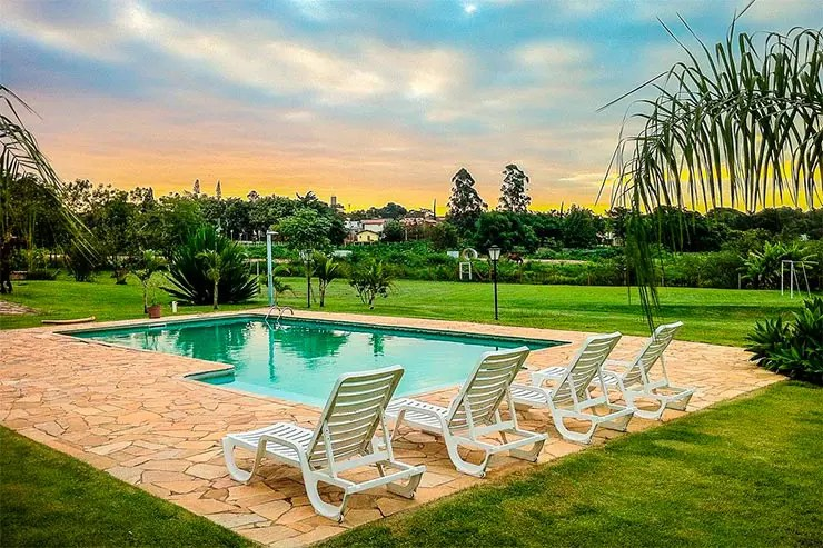 Hotéis e pousadas em Holambra: Piscina do Parque Hotel Holambra (Foto: Reprodução/Booking)
