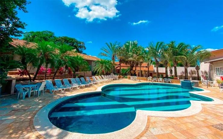 Hotéis e pousadas em Holambra: Piscina do Villa de Holanda Parque Hotel (Foto: Reprodução/Booking)