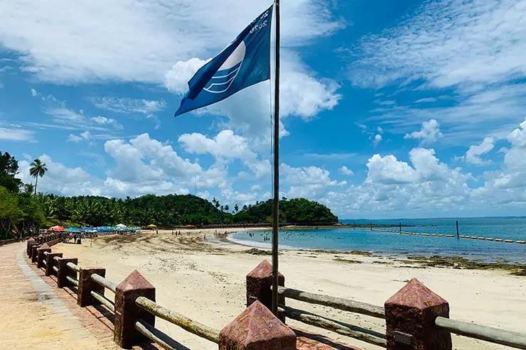 Bandeira Azul da praia da Ponta de Nossa Senhora de Guadalupe (Foto: Esse Mundo é Nosso)