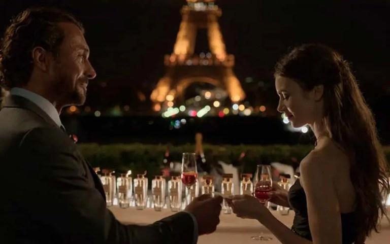 Cafe de l'Homme com vista para Torre Eiffel