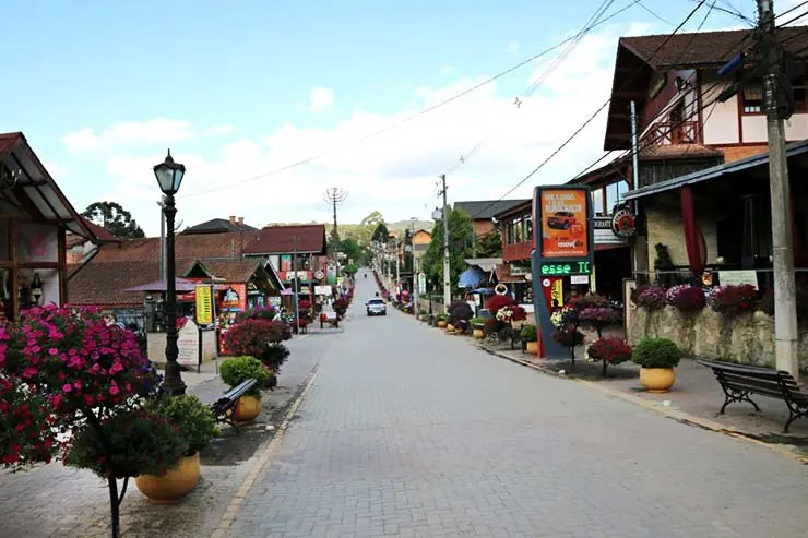 Rua principal de Monte Verde, MG