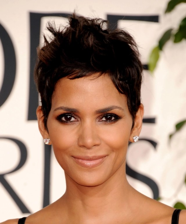 halle berry new sexy haircut