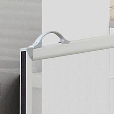Ergonomic handle, move doors with ease