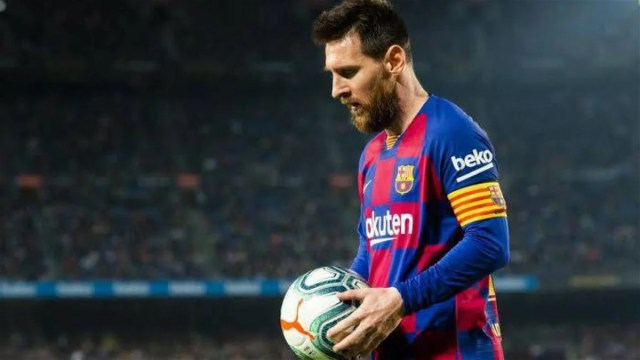 Lionel Messi scored his 700th profession objective in style on Tuesday night. The six-time Ballon d'Or victor had gone three matches without an objective as he sat on 699 strikes for club and nation.
