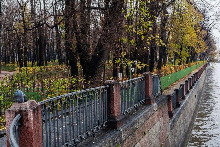 Summer Garden (Letniy Sad), beside the Nevsky River