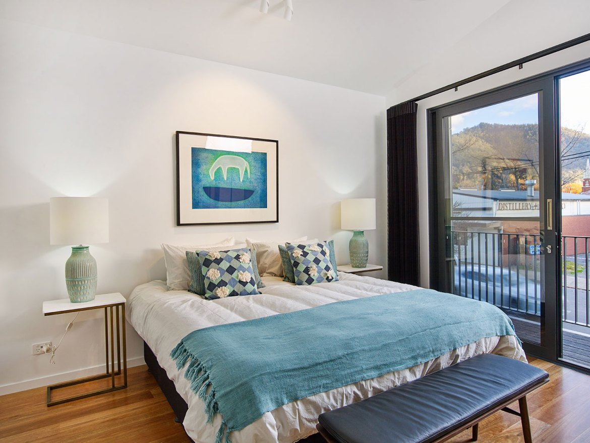 The Townhouses are home to a collection original Australian art prints produced by celebrated contemporary artists