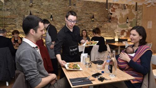 Handicap : Le Reflet. un restaurant extra-ordinaire - Solidarité - Essentiel Santé Magazine