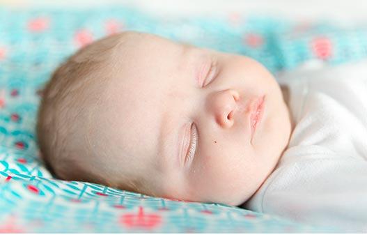 Babyfotografie Luuk  Margriet  Sereen lief en kleurrijk