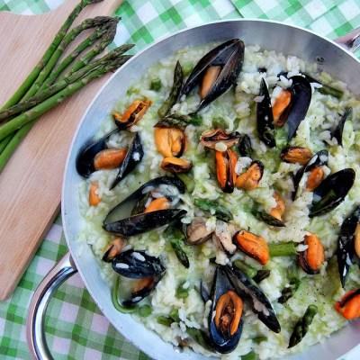 Risotto con cozze e asparagi (cottura senza grassi)