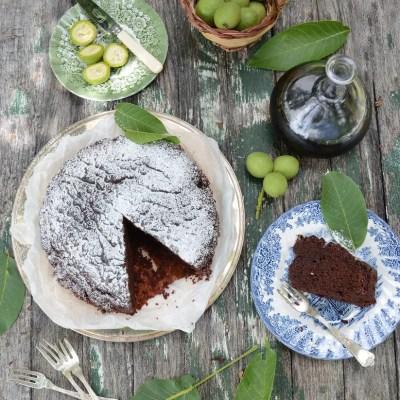 Torta al nocino con cioccolato e ricotta