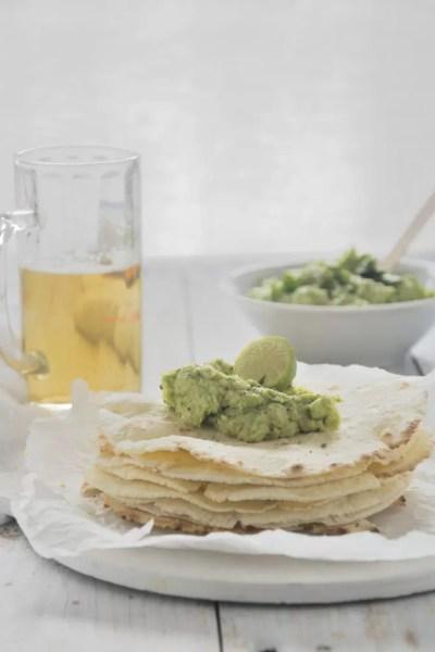 Tortillas di mais bianco