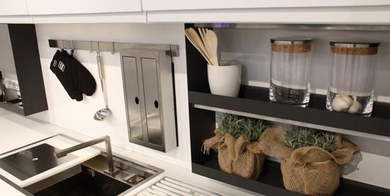 É una società italiana specializzata nella produzione di articoli destinati alle industrie di mobili d'arredamento, di cucina in particolare. Essetre Spa Strumenti E Accessori Per Cucina Essetre Spa