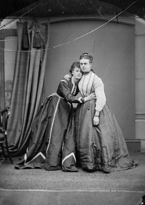 Fanny and Stella, photographed in Chelmsford by Fred Spalding, c.1869 (D/F 269/1/3712)