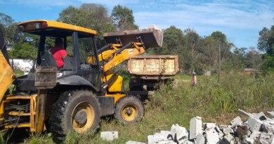 Prefeitura realiza força-tarefa para demolir construção irregular no Coronel