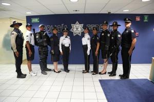 Uniformes de la División de Gendarmería. Foto: Presidencia