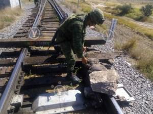 Ejército resguarda trenes