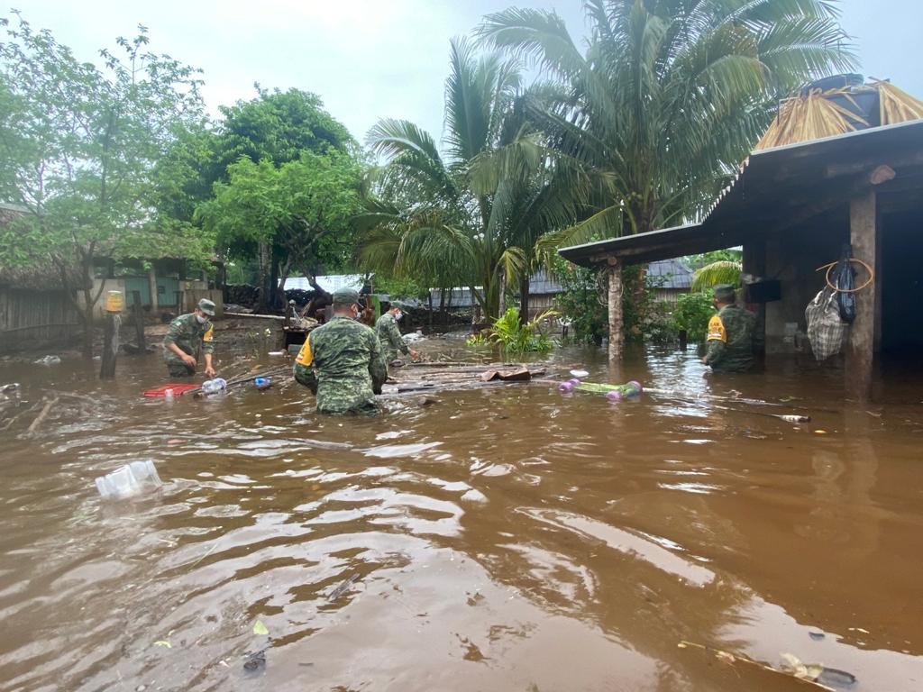 Ejército Mexicano aplicó el Plan DN-III-E en los estados de Campeche y Yucatán por fuertes vientos y lluvias