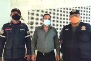 El director de Seguridad Ciudadana junto con el comandante del Cuerpo de Bomberos y el director de Protección Civil Nueva Esparta