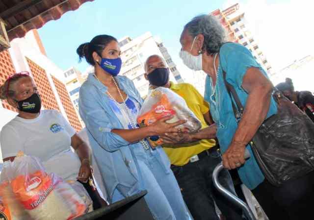 Con una jornada especial de entrega de lentes y alimentos, fueron beneficiados varios municipios