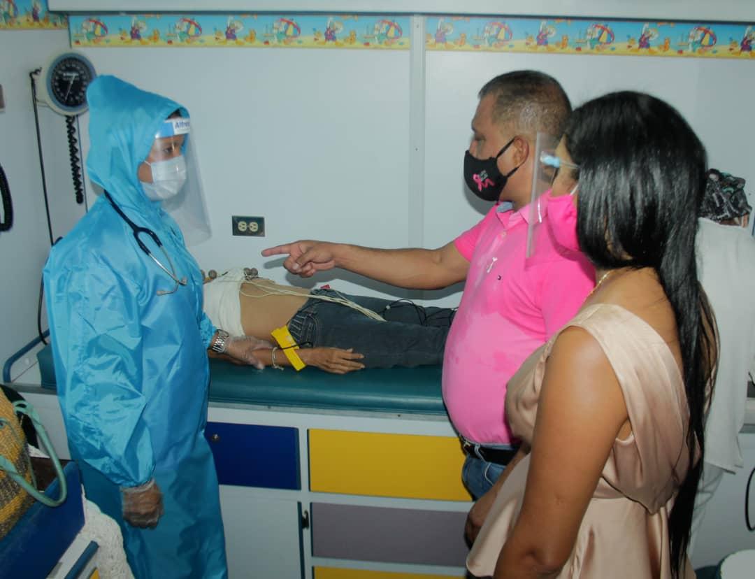 Gobernador y Primera dama encabezaron jornada de Móvil Salud para Mujeres