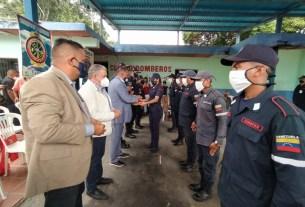 El gobernador Alfredo Díaz, presidió los actos de ascensos en el Cuerpo de Bomberos de Juan Griego