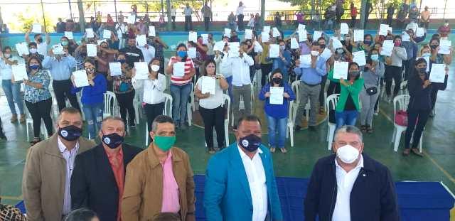 El gobernador Alfredo Díaz otorgó la titularidad a 60 trabajadores de la enseñanza en el municipio Península de Macanao