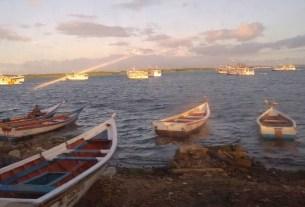 Los pescadores requieren un suministro confiable y seguro de combustible para navegar hacia aguas profundas
