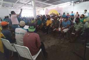 Las comunidades pesqueras de Los Cocos presentaron sus dificultades ante el gobernador Alfredo Díaz
