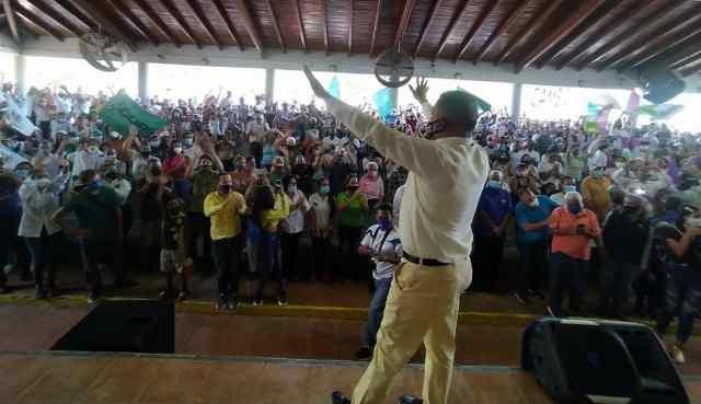 El mandatario regional reitero que la merma presupuestaria nunca ha frenado sus intenciones de atender al pueblo maneirense