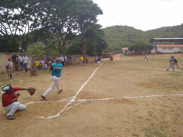 Fermín Gutiérrez conectó el batazo más largo en la historia del campo