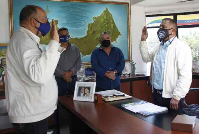 El gobernador juramenta a Rubén Figueroa como director titular de Talento y Desarrollo Humano.