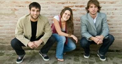 Fundadores de Hoytrabajo. De izquierda a derecha: Andrés Costa Cordova, Sonia Schaefer y Matías Ghirimoldi.