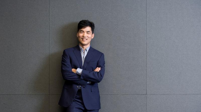 Dr. Sebastian Seung