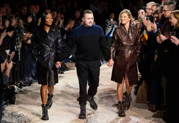 Naomi Campbell, Kim Jones e Kate Moss. Foto: Imaxtree